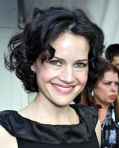 carla gugino bob haircuts | Short Curly Hairstyles For Women. Picture. Curly Short Haircut.