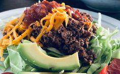 Mexicansk kødsovs på spidskål med cheddar, avokado og salsa. Perfekt KETO aftensmad Tortillas, Lchf, Guacamole, Diabetes, Ost, Low Carb, Salsa, Mince Pies, Diabetic Living
