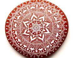 Handgemalte Stein Mandala von ISassiDellAdriatico auf Etsy