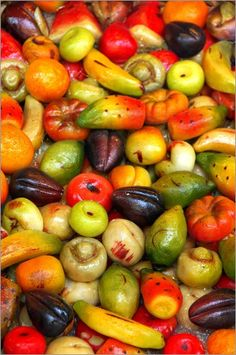 Traditional hand-made Sicilian marzipan fruit- YUM!