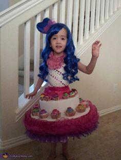 "Katy Perry and her ""Cupfake"" Dress! - Halloween Costume Contest via @costumeworks"