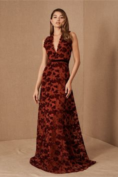 ML Monique Lhuillier Hawes Dress by in Red Size: Women's Dresses at Anthropologie Monique Lhuillier Dresses, Holiday Party Dresses, Holiday Parties, Blue Midi Dress, Pippa Middleton, Jenny Packham, Bhldn, Celebrity Style, Celebrity News