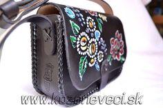 Slovenské dámske ručne maľované kožené kabelky. Vyrábam a ponúkam dámske kožené kabelky, ručne maľované. Každá kabelka je jedinečná s nádherným zdobením, ktoré určíte nenájdete na inom výrobku. Je to ručná práca. Má v sebe nádych jedinečnosti a originality, ktorá sa neopakuje. Sunglasses Case, Bags, Handbags, Bag, Totes, Hand Bags
