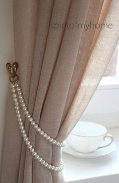 TAMMY' Shabby Chic Vintage Styled Curtain Jewellery Pearl Handmade metal rings Lenght or Doubled Ivory Pearl Tieback Custom - TAMMY schäbige schicke Vintage Stil Gardinen Schmuck - Shabby Chic Bleu, Shabby Chic Moderne, Casas Shabby Chic, Modern Shabby Chic, Shabby Chic Kitchen Decor, Estilo Shabby Chic, Shabby Chic Homes, Shabby Chic Style, Shabby Chic Furniture