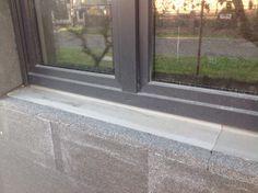 Izolacja przy oknach - węgarki, schowanie rolet, parapety