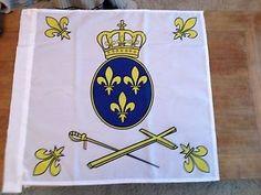 Drapeau-catholique-royaliste-vendeen-Fleur-de-Lys-roi-Sacre-Coeur-de ...
