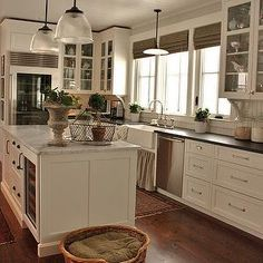 5 Valuable Clever Tips: Country Kitchen Remodel Farmhouse Style kitchen remodel pantry interior design.Tiny Kitchen Remodel Apartment Therapy farmhouse kitchen remodel tips. Kitchen Inspirations, Dream Kitchen, Kitchen Remodel, New Kitchen, Kitchen Dining Room, Kitchen Redo, Country Kitchen, Home Kitchens, Kitchen Renovation
