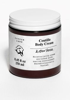 Rich buttery body cream filled with shea butter, cottonseed oil and protein, for extra soft skin.Body Cream is a part of the Cotton Care range and is fragranced with an exquisite touch of succulent peach surrounded by a rich floral soul with a hint of plum. 250 ml/8.45 fl oz.