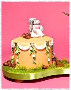One of a fabulous clutch of Beatrix potter themed cakes from Cake Central Magazine Clipped from @Cake Central #clippings