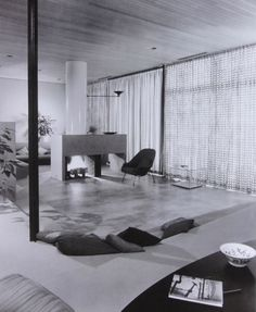 The Case Study House #9 designed by Charles Eames and Eero Saarinen for John Entenza. Living Room photo #1