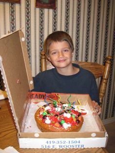 Pizza Cake Pizza Cake, Pizza Party, Christmas Sweaters, Cakes, Desserts, Food, Tailgate Desserts, Deserts, Cake Makers
