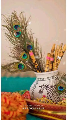 Radha Krishna Songs, Krishna Quotes, Shree Krishna, Krishna Art, Little Krishna, Baby Krishna, Krishna Love, Lord Ganesha Paintings, Krishna Painting