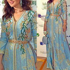 Kaftan, Modele Hijab, Abed Mahfouz, Moroccan Caftan, Clothing Patterns, Womens Fashion, Fashion Top, Glamour, Mille