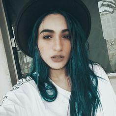 debbie menezes, hair, cabelo, colorful, colorido, blue, azul, instagram, filter, selfie, photos, model, fashion, goth, grunge, folk
