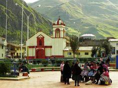 Acabo de compartir la foto de Leonardo Maroni que representa a: Plaza de Armas de San Cristóbal (Huancavelica)