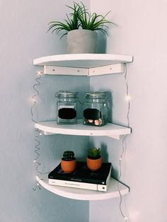 70 Ideas college apartment organization diy storage for 2019 Cute Room Ideas, Cute Room Decor, Teen Room Decor, Bedroom Decor, Bedroom Ideas, Bedroom Inspo, Aesthetic Room Decor, Cozy Room, Dream Rooms
