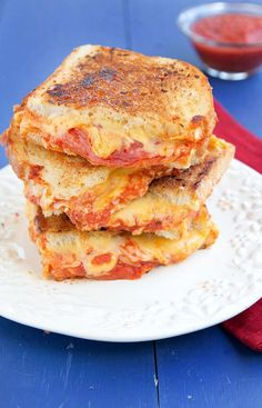 Mozzarella and American Cheese and flavorful pepperoni are the stars of my Pepperoni Pizza Grilled Cheese Sandwich. A perfect sandwich for lunch or dinner