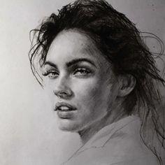 """Alla Dzyurich """"living"""" portraits in pencil"""