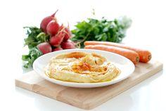 Receta de Hummus de garbanzo hecha en la Thermomix. Absolutamente delicioso y fácil de preparar sobre todo si has quedado con amigos en casa.