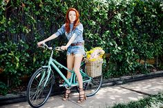 Jane Aldridge, from #seaofshoes, shows us how to wear jean shorts. #outfitoftheday
