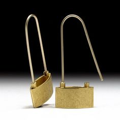 Geoffrey D. Giles Jewelry 18K handcrafted designer gold earrings.