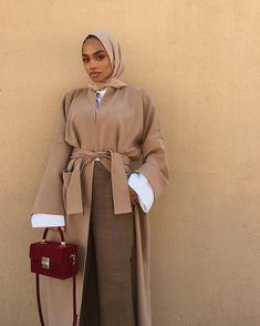 beautiful camel outfits to make you feel smartly dressed 13 Modern Hijab Fashion, Hijab Fashion Inspiration, Islamic Fashion, Abaya Fashion, Muslim Fashion, Modest Fashion, Fashion Outfits, Modest Dresses, Modest Outfits