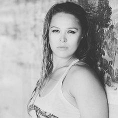 Ronda Rousey Hot, Ronda Jean Rousey, Randa Rousey, Rowdy Ronda, Ufc Women, Raw Women's Champion, Wrestling Divas, Sport Fitness, Wwe Womens