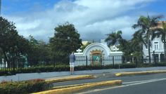 Escudo entrada de San Juan cumple con términos, color y función ya que ni se está utilizando como parte de algún partido político, lunes 7 de marzo 2016 10:15am #banderasyescudosVSJ #sagradoenero2016