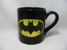 DC Comics Batman Shield Coffee Cup Mug 14 Oz. Black Gold Holographic New…