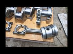 Remont silnika okrętowego BAH22 - YouTube