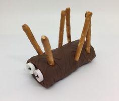 Fr-P-Jean-Baptiste Collation | La Bible Vivante Jean Baptiste, Wooden Toys, Sunday School, Small Plates, Snacks, Wooden Toy Plans, Wood Toys, Woodworking Toys