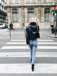 Adenorah, blog mode, Paris - sandro Leather jacket - Levi's vintage jeans - saint laurent bag - Kurt Geiger boots