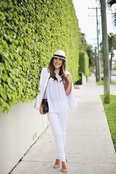 "Hat: J.Crew | Top: Lilly Pulitzer c/o | Blazer: J.Crew | White Pants: Lilly Pulitzer c/o | Shoes: Rachel Zoe  I got to explore Palm Beach with Lilly Pulitzer this week (which I'll be sharing more of next week) and loved all of their ""resort white"" pieces. It's such a classic look for the island,...  Read more »"