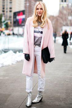 Dale un toque de color rosa a tu look con estos lindos abrigos http://cursodeorganizaciondelhogar.com/dale-un-toque-de-color-rosa-tu-look-con-estos-lindos-abrigos/ #Daleuntoquedecolorrosaatulookconestoslindosabrigos #fashion #fashiontips #Moda #outfits #Outfitsdemoda #pinkcoats #Tipsdemoda