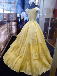Emma Watson Beauty and the Beast Belle yellow gown back