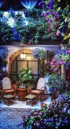A summer night on the patio in Cordoba, Spain • photo: Zú Sánchez on Flickr