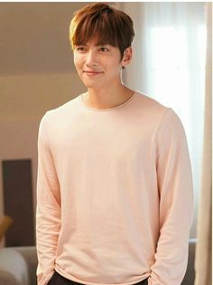 Pink definitely suits you💕 Ji Chang Wook Smile, Ji Chang Wook Healer, Ji Chan Wook, Asian Actors, Korean Actors, Korean Dramas, Park Hyun Sik, Ji Chang Wook Photoshoot, K Drama
