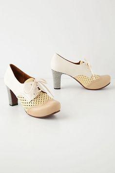 oxford heels. i'm a fan.