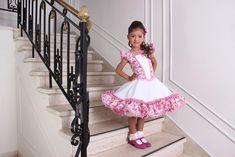 Resultado de imagen para lorena catalan vestidos de cueca Girly Girl Outfits, Baby Girl Dresses, Flower Girl Dresses, Frocks For Girls, Cute Baby Girl, Pretty Dresses, Harajuku, Tulle, Ballet Skirt