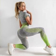 Ombré Stripe Set with a Tee/Legging Combination features - High Waisted, Seamfree Shaping Legging - Cotton/Elastane Mix for Extra Comfort and Stretch - Short Sleeve Crop Tee Crop Top And Leggings, Leggings Are Not Pants, Fitness Motivation, Activewear Sets, Gym Clothes Women, Sporty Outfits, Sports Leggings, Long Sleeve Crop Top, Short Sleeves