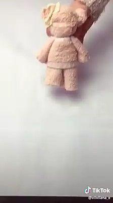 Aprenda fazer ursinho de toalha para lembrancinhas (ideias para festa infantil) - - Aprenda fazer ursinho de toalha para lembrancinhas (ideias para festa infantil) Artesanato passo a passo Lerne Schritt für Schritt, süße Teddybären herzustellen Geschenke Diy Crafts Hacks, Diy Home Crafts, Fun Crafts, Bear Crafts, Deco Baby Shower, Baby Shower Gifts, Craft Gifts, Diy Gifts, Diy For Kids