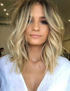 Ideas for hair trends summer 2018 blonde Lob Hairstyle, Messy Hairstyles, Blonde Short Hairstyles, Wave Hairstyles, Hairstyles Pictures, Baddie Hairstyles, Hairstyles 2018, Summer Hairstyles, Medium Hair Styles