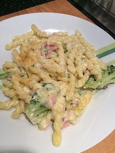 Pasta casserole with broccoli and ham a very nice recipe from the category casserole. Ratings: Average: Ø The post Pasta casserole with broccoli and ham appeared first on Tasty Recipes. One Dish Meals Tasty Recipes Noodle Recipes, Pasta Recipes, Soup Recipes, Vegetarian Recipes, Cooking Recipes, Healthy Recipes, Shrimp Recipes, Pasta Casserole, Pasta Bake