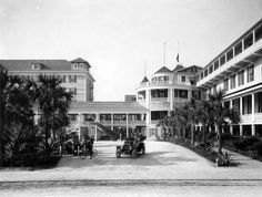 Florida Memory - South entrance of the Hotel Ormond - Ormond Beach, Florida