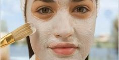 Manchas na pele são bem desagradáveis e mexem com a autoestima de muita gente.As mulheres, principalmente, acabam pagando caro em produtos industrializados, principalmente quando a área afetada é o rosto.
