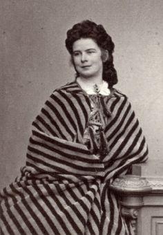 Empress Elisabeth of Austria and Queen of Hungary, Bohemia and Croatia etc. in 1863 Rare Photos, Vintage Photos, Austria, Elisabeth 1, Impératrice Sissi, Empress Sissi, Franz Josef I, Legend Stories, Nostalgia