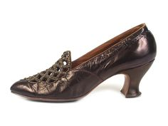 1890 leather pumps with cut out and beaded vamp, USA