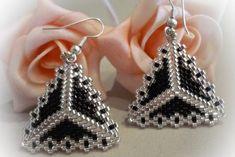 Brick Stitch Earrings, Seed Bead Earrings, Beaded Earrings, Beaded Jewelry, Handmade Jewelry, Triangle Earrings, Bead Crochet Patterns, Beading Patterns, Bead Jewelry