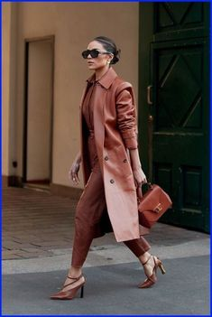 Milan Fashion Week Street Style, London Fashion Weeks, Looks Street Style, Autumn Street Style, Cool Street Fashion, European Street Style, Ny Fashion Week, Street Style Trends, Tokyo Fashion