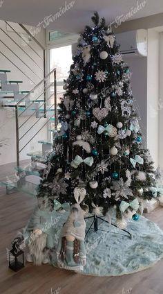 Ako ozdobiť vianočný stromček ? trendy pre rok 2020   Svet Stromčekov Black Christmas Trees, Christmas Tree Decorations, Xmas, Holiday Decor, Christmas Tree Inspiration, Trendy, Projects, Beautiful, Home Decor
